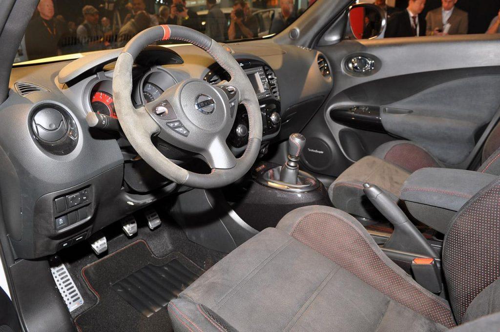 Nissan Juke Nismo 2013 салон