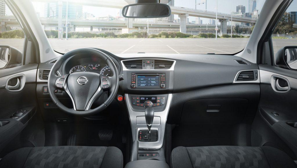 Nissan Tiida 2016 салон