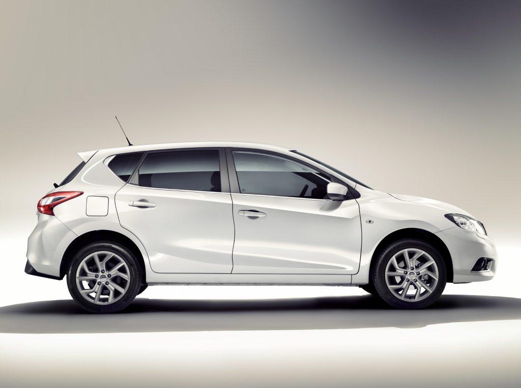 Nissan Tiida 2016 внешний вид_2