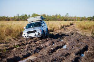 Авто застряло в грязи, что делать