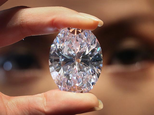 Спрос на алмазы падает, а вместе с ним и цена акций «Алросы»